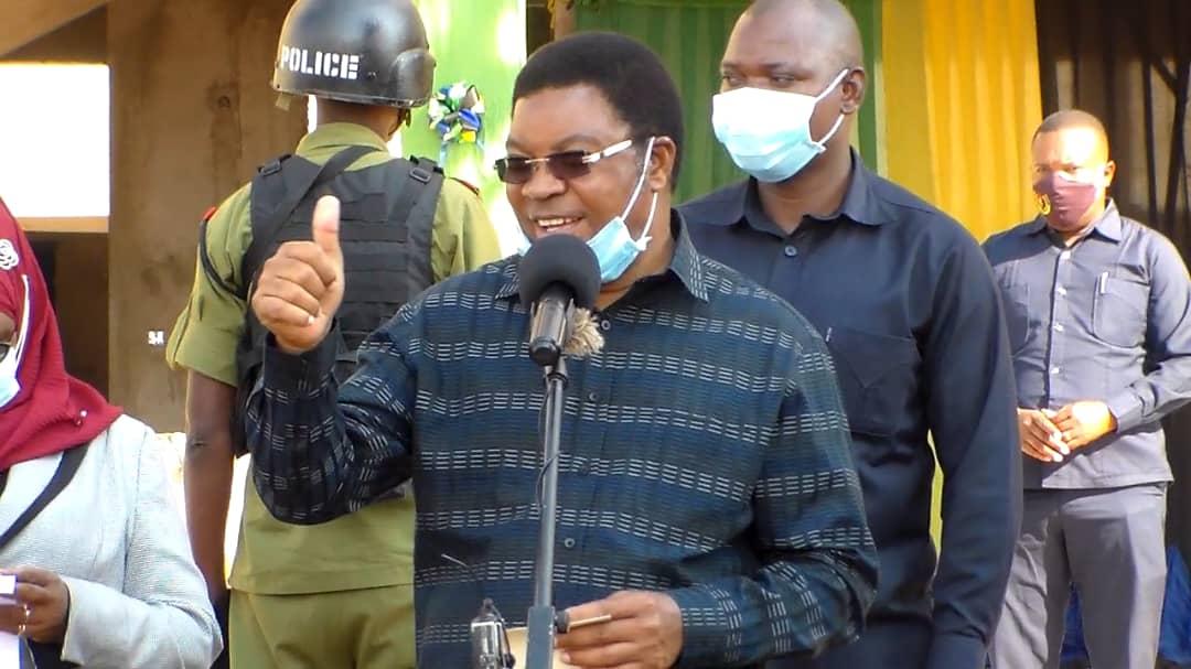 Waziri Mkuu Majaliwa aagiza magogo yaliyokamatwa yauzwe - Mwananchi